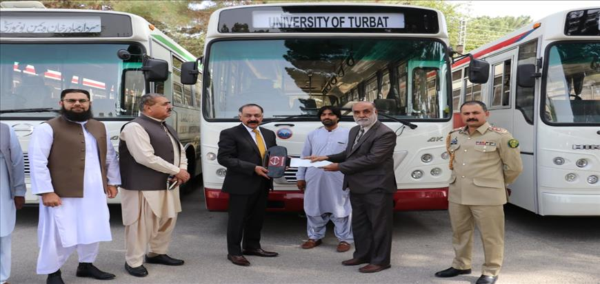 Governor Balochistan handed over keys of busses to Vice Chancellors and Registrars
