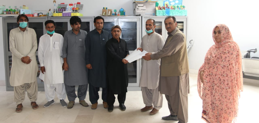 UoT receives books from AIOU