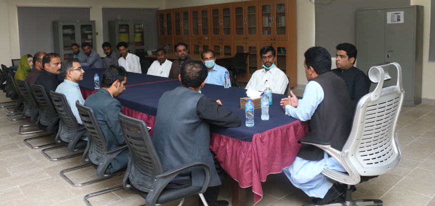 Vice Chancellor holds interactive session with faculty and admin staff